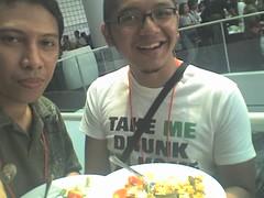 Makan bareng Anggun