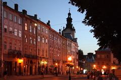 (Oleh Voznyy) Tags: light architecture square evening lviv ukraine фонари rynok львов львів вечір площа вечерний ринок ліхтарі вечірній