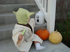 Yoda pointing at the ghost