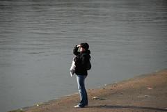 Girl Overlooking The Rhine (FaceMePLS) Tags: girl arnhem nederland thenetherlands streetphotography youngwoman meisje candidphotography derijn nikond200 straatfotografie facemepls theriverrhine jongevrouw boterdijk zusterannazietgijalietskomen zusterannazietgijalwatkomen