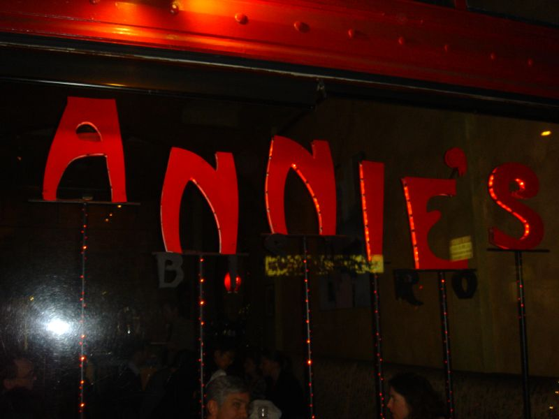 Annie's BIstro