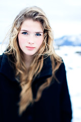 (Rn) Tags: portrait snow cold girl canon iceland shift portraiture 28 tilt 2008 ts 45mm tse tiltshift slrn ranmagnusdottir