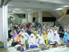 The Ladies crowd (MindSpring) Tags: mosque masjid maalhijrah almuhtadin
