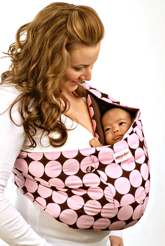 Peanut Shell® Baby Sling by mommyknows.
