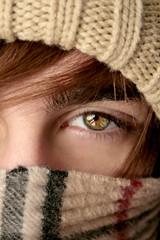 Goodbye Winter! (AndreaUPl) Tags: winter portrait eye lana wool up scarf close andrea heat inverno ritratto occhio cappello burberry sciarpa pedretti berretta invernale andreaupl winnr andreapedretti