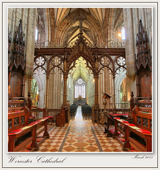 Worcester Cathedral : The Quire Arch (setsuyostar) Tags: uk churches cathedrals hdr worcestercathedral 3xp canoneos5d mywinners kenhawley thepritzkerarchitectureprize diamondclassphotographer betterthangood cathedralsnewandold churchinterioris