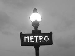 Paris Metro lampadaire