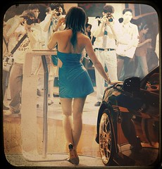 Model, model, photographers (Elf-Y) Tags: photographers infrared carshow carmodel hourofthediamondlight humanmodel texturebybazl