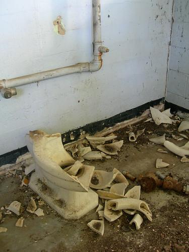 Broken Bathroom Sink Repair Advice English Forum Switzerland
