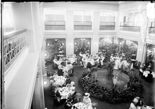 Marshall Field 1909 tearoom LOC