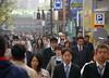 Cap a treballar / Going to work (SBA73) Tags: street city people japan japanese tokyo calle honeymoon gente crowd going ciudad stadt nippon 東京 multitud shiba gent soe carrer nihon japó ciutat tokio japón marxa molts mywinners japonesos anawesomeshot viatgedenoces