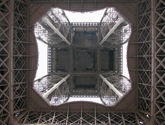 Eiffel Tower (*Checco*) Tags: paris france building tower architecture iron europa europe torre famous eiffeltower eiffel structure toureiffel torreeiffel francia etoile parigi ferro struttura 5photosaday