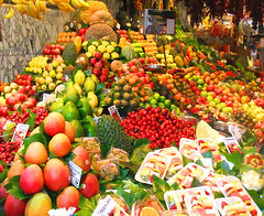 Mercat de Sant Josep de la Boqueria (Mattnet) Tags: barcelona red food apple colors vegetables yellow fruit lemon rojo colorful colours market manzana comida banana catalonia fresh platano fruta amarillo mercado giallo pear catalunya sherry oranges colourful lime banane frutta colori mercato naranja fresco limone cibo boqueria barcellona mela arancia pera cereza verdura ciliegia santjosep colorato coloreado mygearandme mygearandmepremium mygearandmebronze