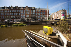 Yellow TV (Vincent_Nobel) Tags: amsterdam yellow canon boat tv sigma wideangle 1020 gracht uwa ultrawideangle sigma1020 400d canon400d yellowtv