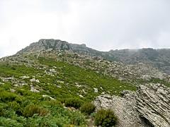 Sur la crête, en vue du sommet de Cima di e Follicie