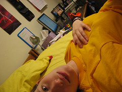 Day 42: This Gig (dustywrath) Tags: ca selfportrait me yellow computer gold bed desk room saturday pillow untouched inmyroom 365days day042 communityadvisor aatshirt