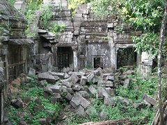 Decaying Temple (krismo_pompas) Tags: old temple cambodia angkor bengmealea cambodia2007