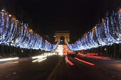 Les champs Elyses (nobu8274) Tags: paris france monument night nikon illuminations champs nol nuit nobu lyses d80 nobu8274