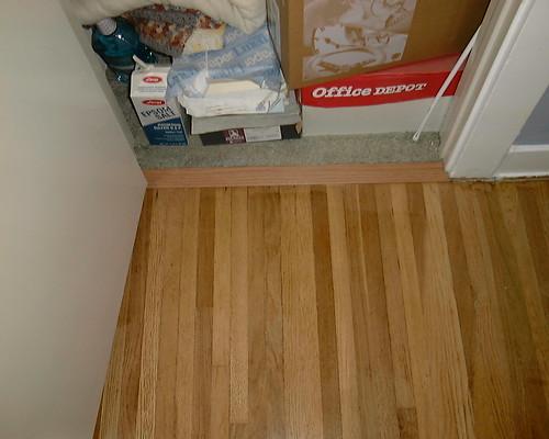 Hall 003 floor threshold to closet