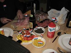 chauvinistische vlaggetjes... yeah! (turbo ellie) Tags: wild dinner ellister eten goulash hoenderloo kndel maaltijd jaarwisseling hertenbiefstuk