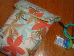 travel diaper + wipes carrier :: tropical palm tree flannel
