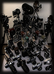 Parte de mi colección (Alberto R L) Tags: camera leica 20d film digital 35mm canon bag lens lumix 50mm nikon sony tripod vice cine collection d200 mybag 8mm 16mm nikonf len nikonfe bolex folding d3 camaras arri nikkormat colección coleccion d300 nikonf5 nikonfg nikonfm nikor my nikond3