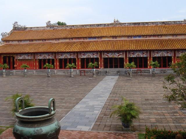 Dai Noi --Imperial palace Hue 21t.JPG