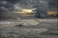 Temporal.. (antoniocamero21) Tags: temporal mar agua hotel paisaje marina olas cielo color foto sony atardecer playa barceloneta barcelona catalunya