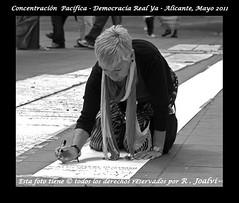 "Concentracion Pacifica - Democracia Real Ya - Alicante, Mayo 2011 #spanishrevolution 0525 R ByN_f.jpg (R. Joalvi) Tags: street españa cutout libertad calle spain alicante spanish espagne crisis spanien manifestación democracia comunidadvalenciana fotografiaurbana reportaje protestapacifica fotourbana rodolfojoalvi tomalacalle mayo2011 15mayo2011 acampadasol nonosvamos acampadaalicante rjoalvi realdemocracyand ""spanishrevolutionindignados""personasindignadas""""concentraciónpacificaalicante""democraciasrealya""democraciarealya democraciarealyaalicante revolutionespagne revolutionespagnole joalvialicante rivoluzionespagnola rivoluzionespagna ladémocratieréelleet democraziarealee movimiento15mlosindignados politicosespañoles"