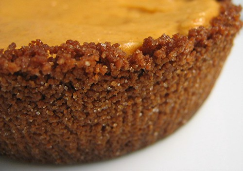 pumpkinchiffonpie_crust