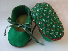 green christmas fabric and felt handmade baby booties
