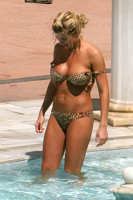 Gemma Atkinson in bikini at swimming pool