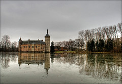 The castle of Horst ... (fatboyke (Luc)) Tags: food castle nature walking bicycling iso200 belgium wandelen culture belgi natuur drinks drinken chateau horst brabant hdr fietsen eten burg cultuur flanders kasteel vlaanderen winterlandschap heuvels sintpietersrode hageland waterburcht holsbeek groenevallei erfgoedvlaanderen abigfave diamondclassphotographer flickrdiamond theunforgettablepictures theunforgettablepicture deroderidder theperfectphotographer wingebeek takenonagrayday deherenvanrode deslagvanwoeringen hetspookkaros toekomstvooronsverleden