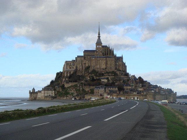 load to Mont Saint-Michel