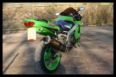 04 (terribleturner) Tags: bike motorbike motorcycle kawasaki zx9r zx9 zx900