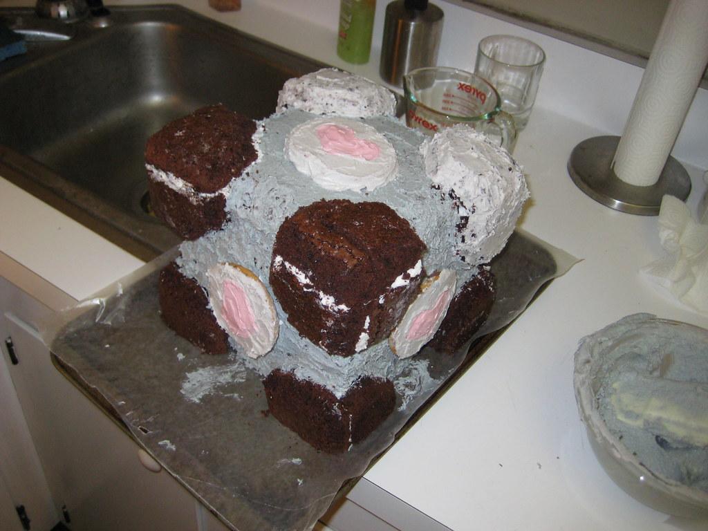 companion cube cake (29)