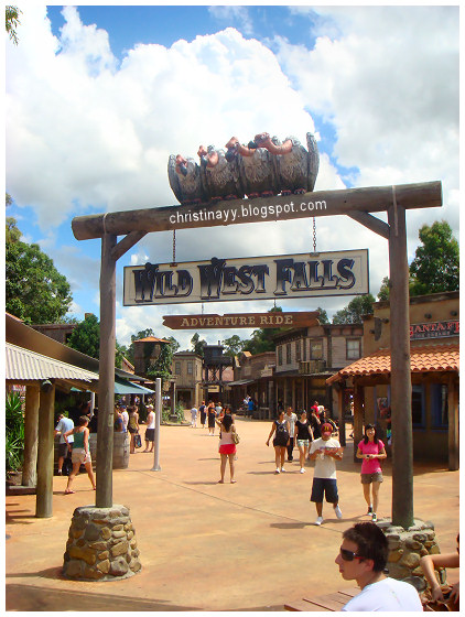 Movie World Gold Coast: Wild West Falls