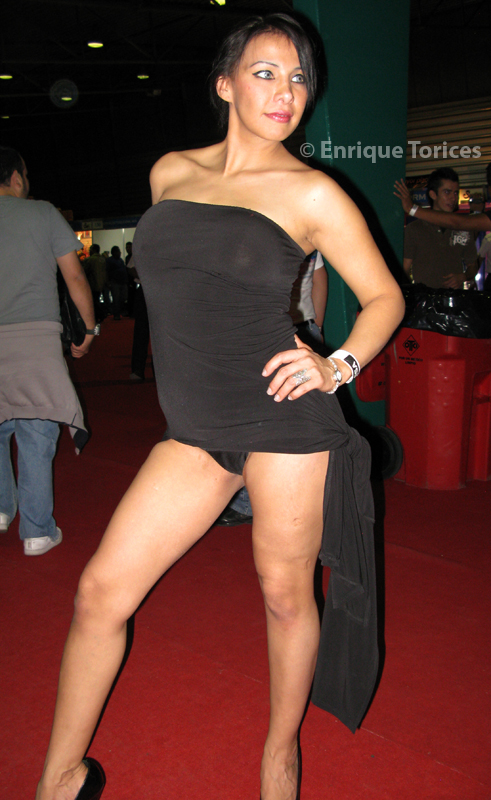 Hot Model In Black At Sexoy Entretenimiento Mexico