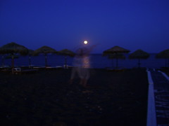 Dancing with the.....fullmoon Santorini