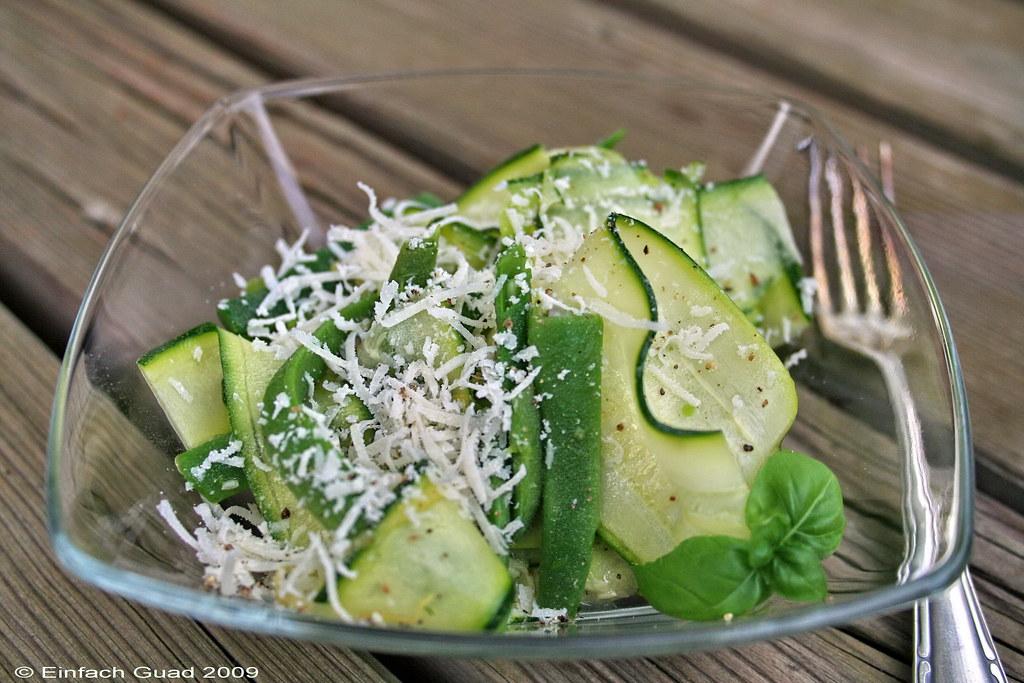 Zucchini roh salat rezept