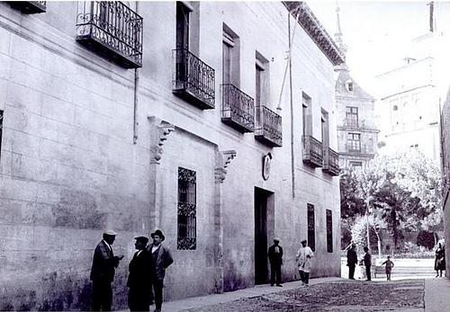 Fachada de la antigua Casa del Deán en Toledo donde hoy se ubica la Audiencia