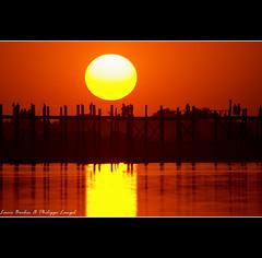 U Bein bridge IV - Amarapura - Myanmar (Lucie et Philippe) Tags: bridge sunset sun soleil burma coucher bein sunsets myanmar philippe coucherdesoleil amarapura birmanie langel mywinners goldmedalwinner goldstaraward
