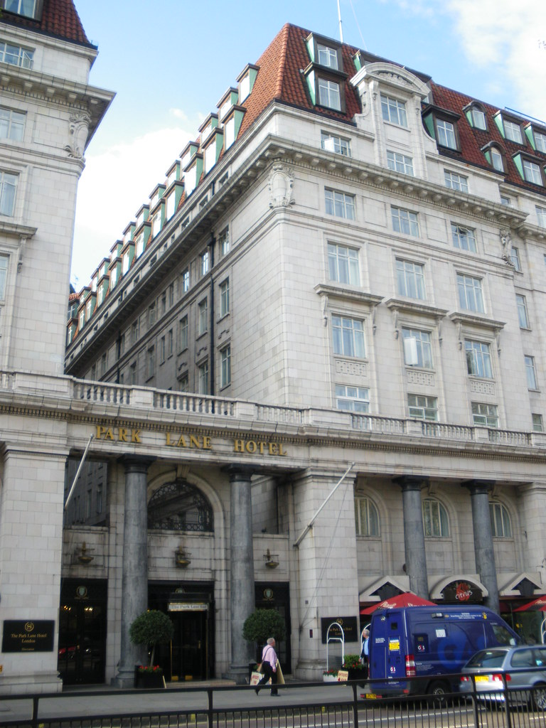 The superb Sheraton Hotel Park Lane in London - In the heart of the city near the Hard Rock Cafe, Hyde Park, Green Park and Harrods! ( April 2009 ). Love it!