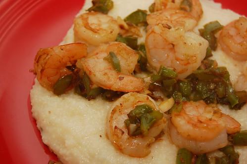 shrimpgrits_serving