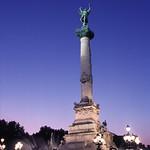 Bordeaux: La colonne des Girondins, la nuit