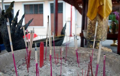 Burning incense, Bangkok 2011 11
