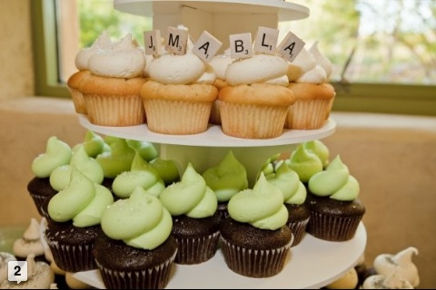 Scrabble Wedding cupcakes!