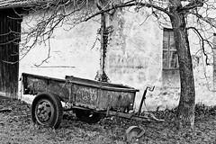 Alter Anhnger (art180) Tags: old white black tree barn alt farm rad rder wheels christian sw trailer alter wei