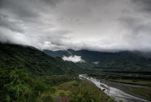 你拍攝的 day1 台東縣 鹿鳴橋 HDR。