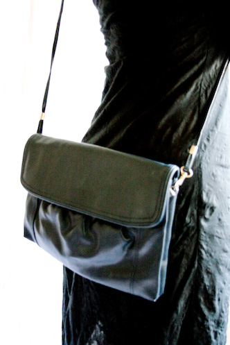 VINTAGE 80s blue leather shoulder clutch - 6